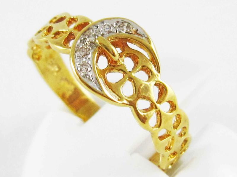 แหวนทองคำแท้ ประดับเพชรแท้ 5 เม็ด